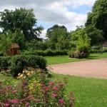 gite vue exterieure cour et jardin (5)
